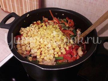 Куриное филе с разноцветными овощами - шаг 10