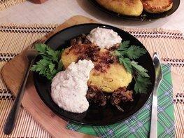 Картофельные зразы с куриным филе и морковью