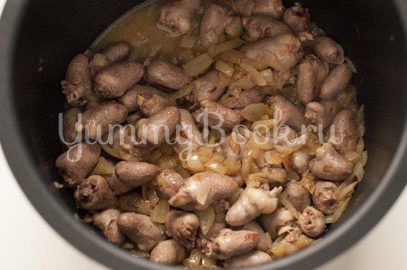 Картофель с куриными сердечками в мультиварке - шаг 2