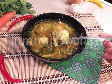"""Лёгкий суп с куриными фрикадельками и яичной """"лапшой"""" - шаг 12"""
