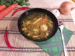 """Лёгкий суп с куриными фрикадельками и яичной """"лапшой"""""""