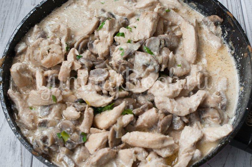 Бефстроганов из куриного филе - шаг 4