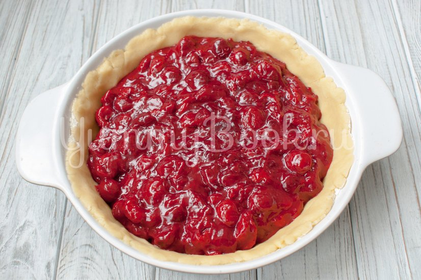 Пирог с вишнёвой начинкой - шаг 6