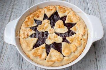 Пирог с вишнёвой начинкой - шаг 8
