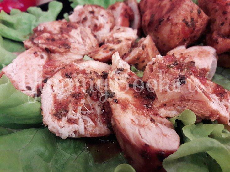 Запечённое куриное филе в томатно-соевом соусе - шаг 9