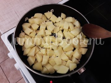 Картофель с соевым соусом и кунжутом  - шаг 3