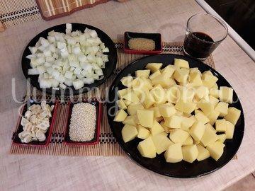 Картофель с соевым соусом и кунжутом  - шаг 2