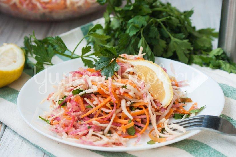 Салат из корня сельдерея и красной редьки - шаг 4