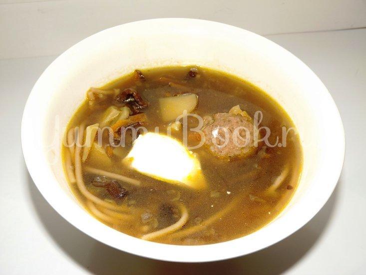 Суп из сушеных опят с куриными фрикаделями и гречневой пастой - шаг 12