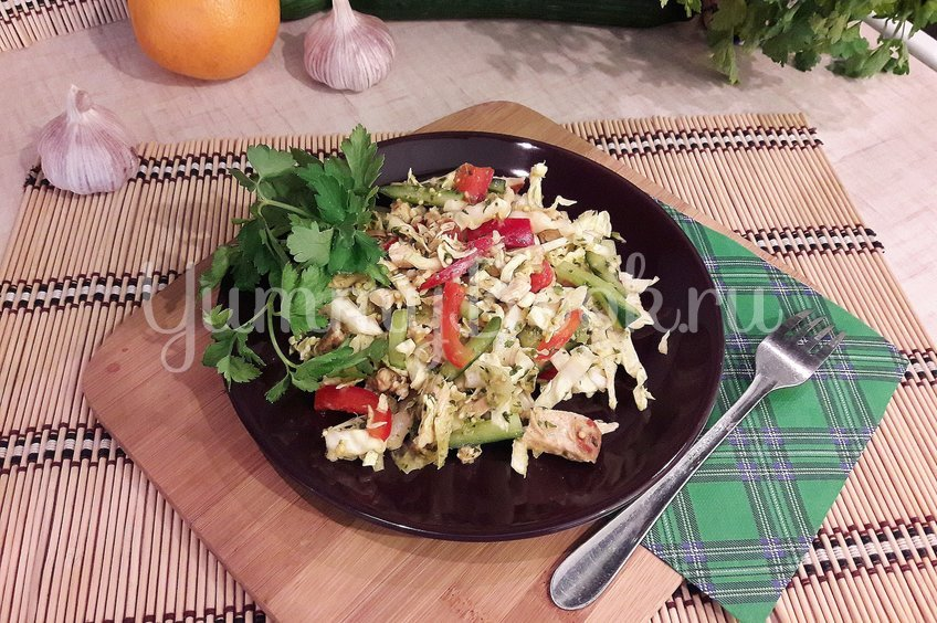 Свежий салат с нестандартной цитрусовой заправкой