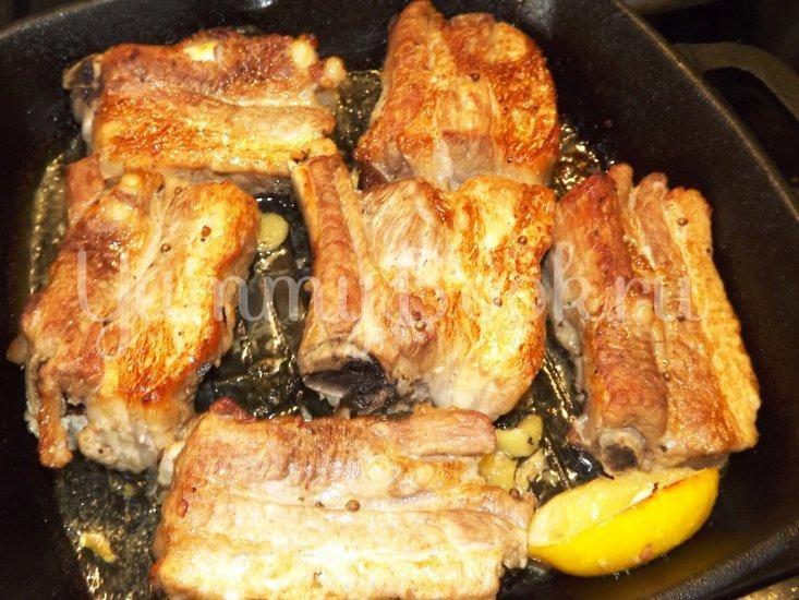 Свиные ребрышки с лимонной цедрой, кориандром и мятой - шаг 11