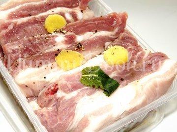 Свиные ребрышки с лимонной цедрой, кориандром и мятой - шаг 4