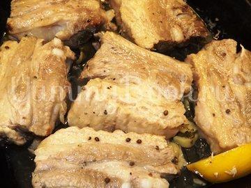 Свиные ребрышки с лимонной цедрой, кориандром и мятой - шаг 8