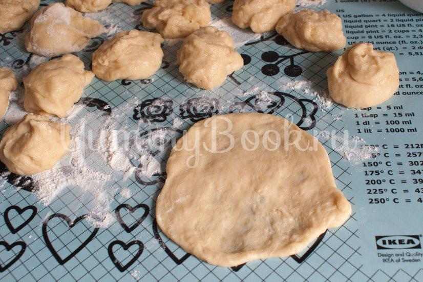 Сахарные  булочки на кефире - шаг 5