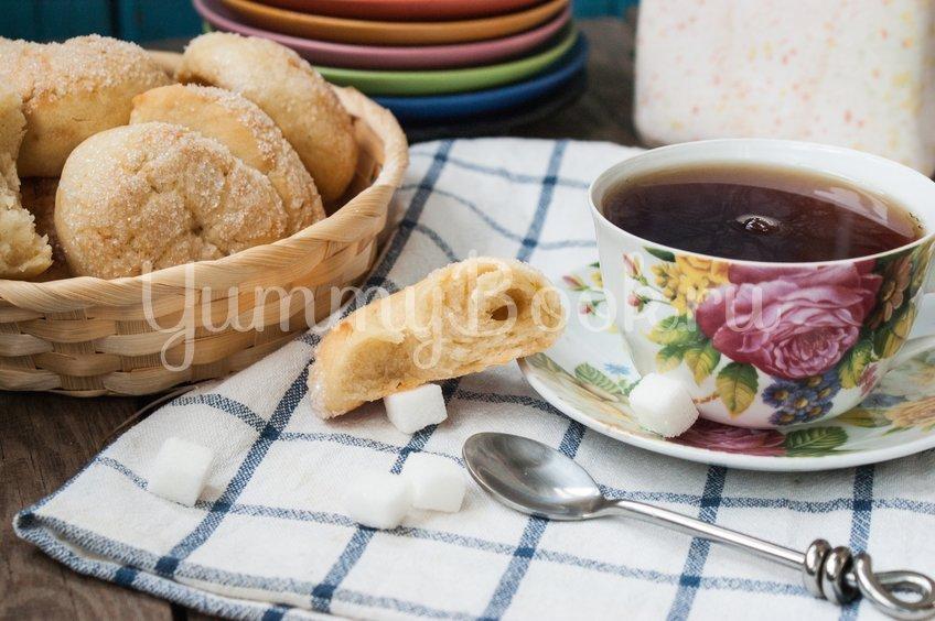 Сахарные  булочки на кефире