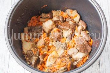 Рис с лесными грибами в мультиварке - шаг 3