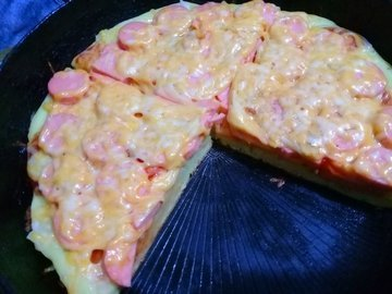 """Пицца """"легче-лёгкого"""" на сковороде"""