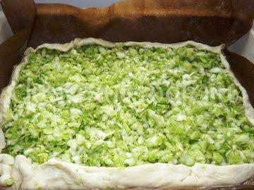 Пирог со свежей рубленой капустой на мамином тесте - шаг 8