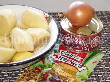 Суп-жаркое из картофеля и тушенки - шаг 1