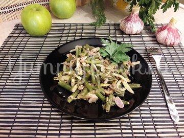 Стручковая фасоль с чесноком, яблоком и грецкими орехами - шаг 10