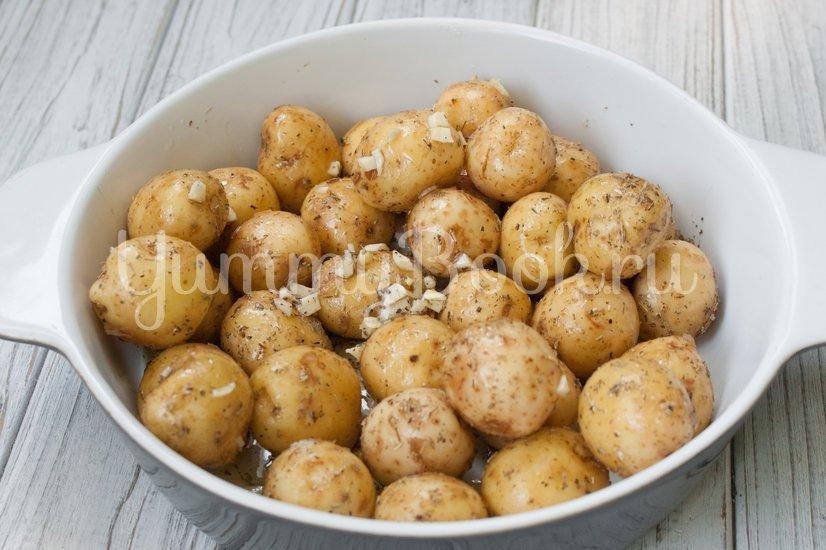 Молодой картофель в духовке - шаг 3