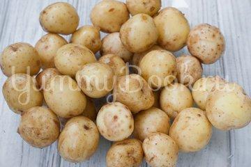 Молодой картофель в духовке - шаг 1