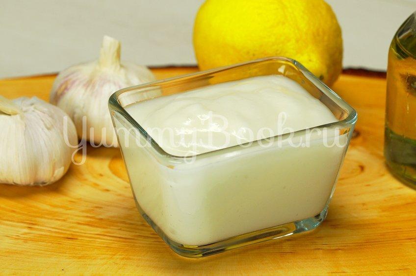 Чесночный соус с лимонным соком
