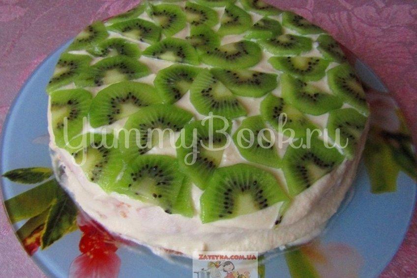 Бисквитный торт с масляным кремом и фруктами