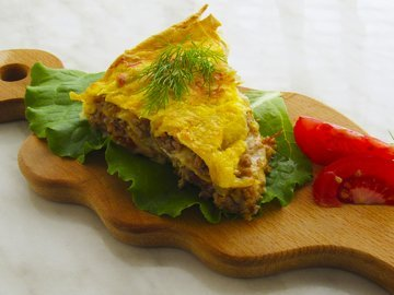 Сочный мясной пирог в лаваше