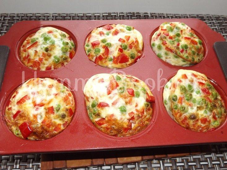 Куриный бульон с омлетом и зеленью - шаг 6