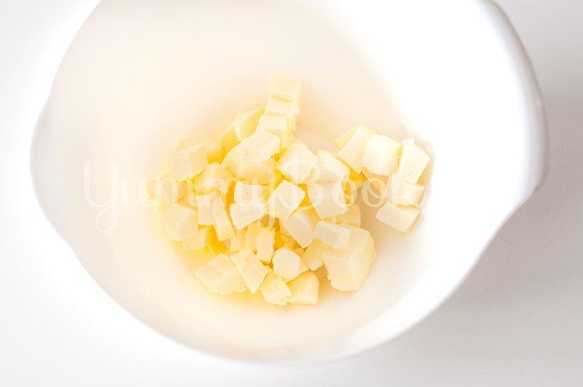 Галета с сыром и грушами - шаг 1