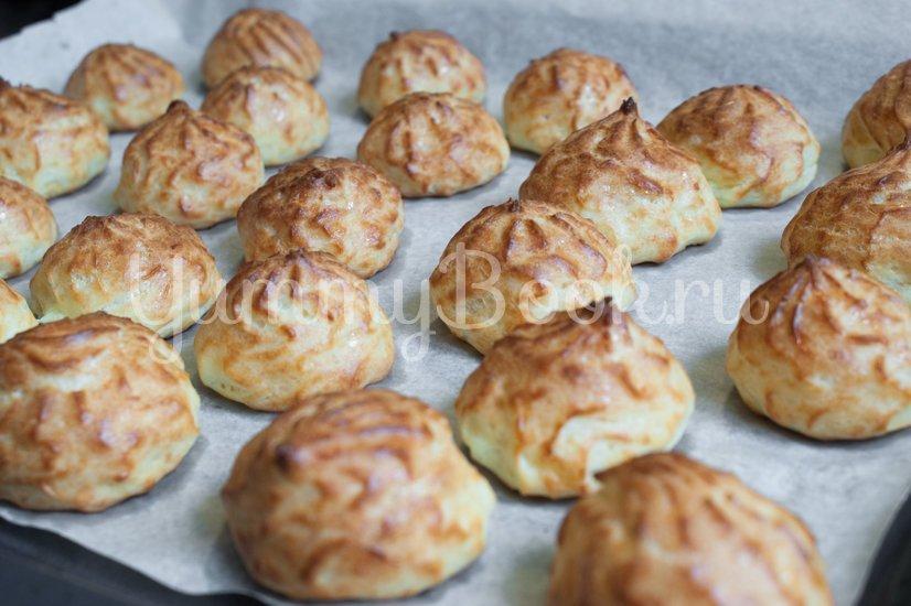 Гужеры - заварные булочки с сыром - шаг 10