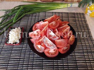 Тушёные помидоры с чесноком и зеленью - шаг 2