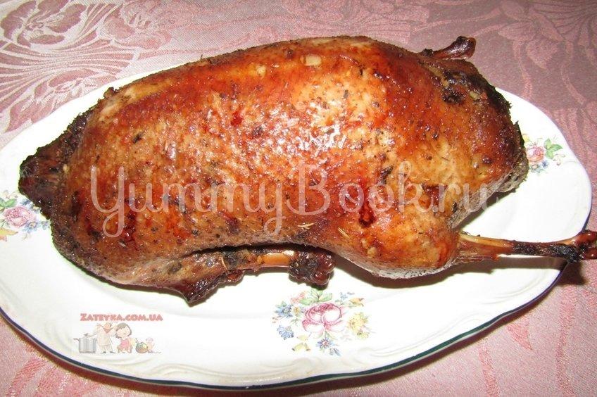 Утка в рукаве в медово-соевом маринаде