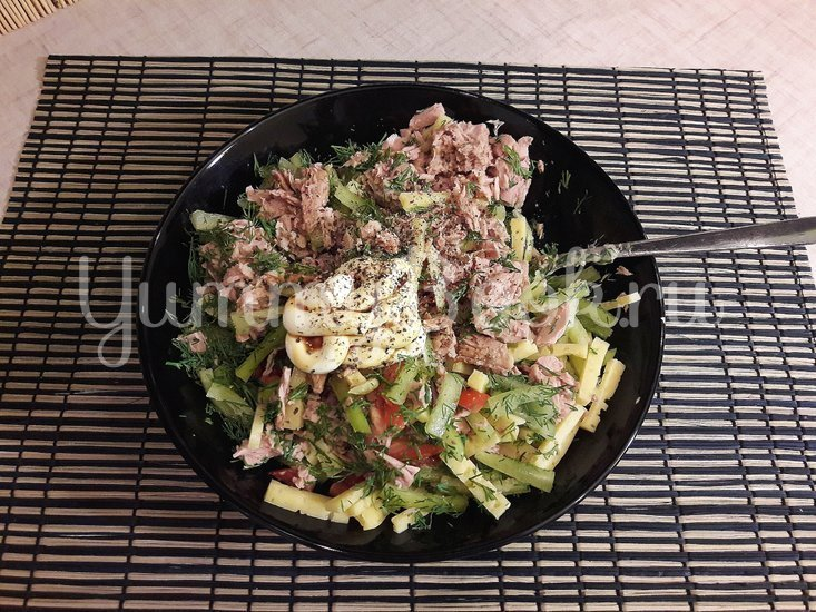 Салат с тунцом и сыром - шаг 3