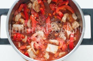 Свинина с помидорами и болгарским перцем - шаг 5