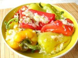 Острая закуска - жареный болгарский перец