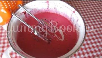 Суфле из ягод ежевики со сгущённым молоком - шаг 5