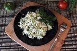 Капустный салат с яйцами и луком