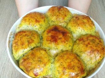 Горячее блюдо из картофеля с мясом и сыром