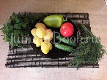 Картофельный салат со свежими овощами - шаг 1