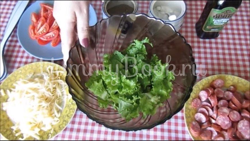 Салат с сыром и охотничьими колбасками - шаг 2