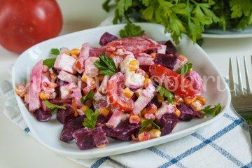 Свекольный салат с кукурузой и копчёной грудинкой - шаг 9