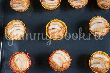 Кексы с яблоками - шаг 10