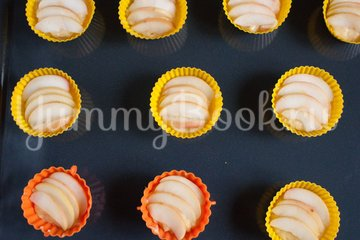 Кексы с яблоками - шаг 9