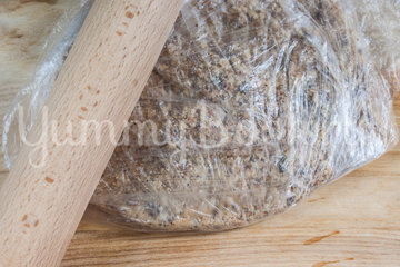 Салат из печёного сладкого перца с орехами и чесноком - шаг 3