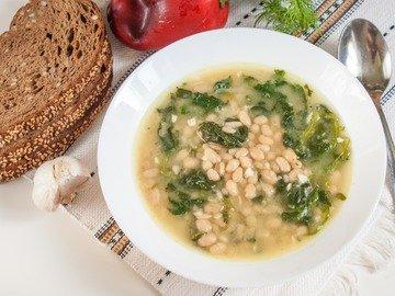 Фасолевый суп со шпинатом
