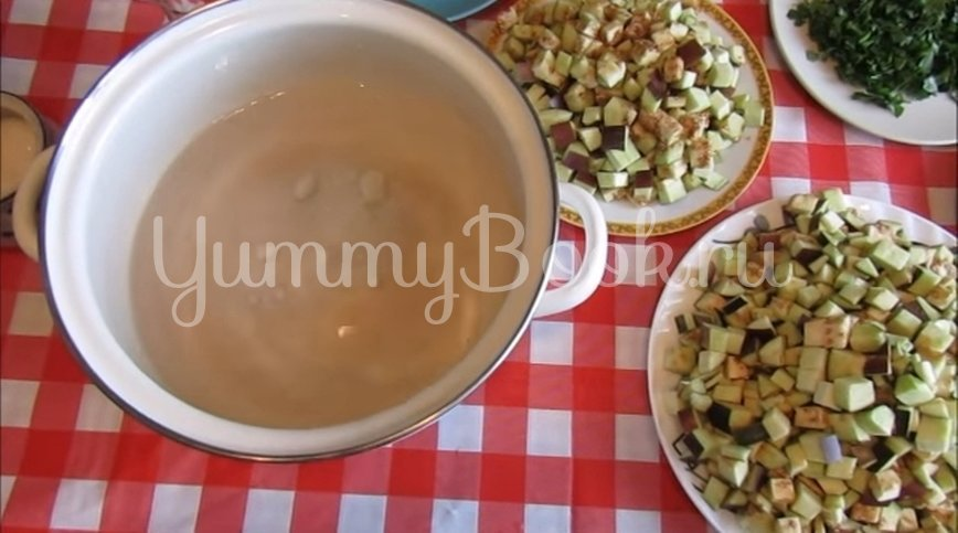 Закуска из баклажанов с чесноком и зеленью - шаг 3