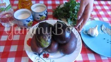 Закуска из баклажанов с чесноком и зеленью - шаг 1