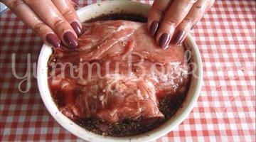 Свиной ошеек в пряном маринаде  - шаг 3